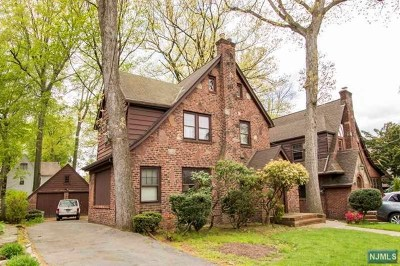 Teaneck Single Family Home For Sale: 490 Standish Road