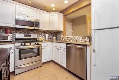 Hackensack Condo/Townhouse For Sale: 131 Clinton Place #204