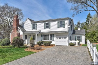 Ridgewood Single Family Home For Sale: 177 Bellair Road