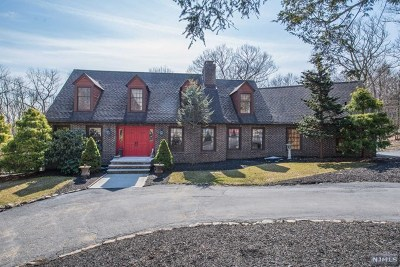 West Milford Single Family Home For Sale: 47 Rockburn Pass