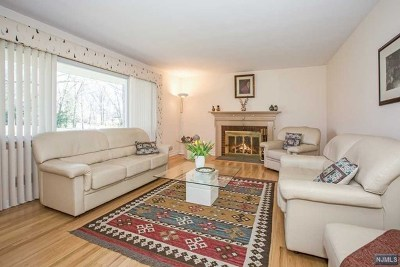 Wayne Single Family Home For Sale: 112 Magnolia Place