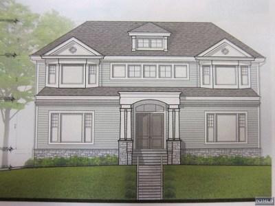 Leonia Single Family Home For Sale: 215 Broad Avenue