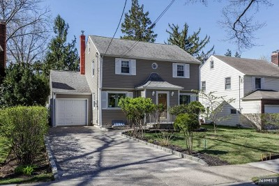 Teaneck Single Family Home For Sale: 118 Cranford Place