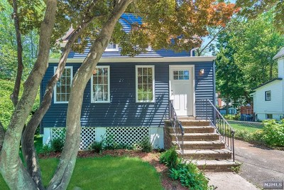 Teaneck Single Family Home For Sale: 587 Kenwood Place
