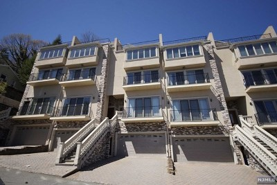 Edgewater Condo/Townhouse For Sale: 918 Undercliff Avenue #4