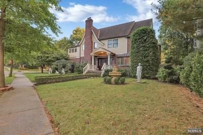 Teaneck Single Family Home For Sale: 108 Merrison Street