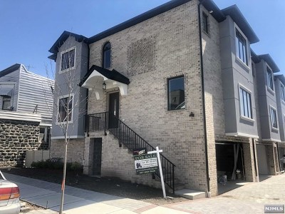 Cliffside Park Condo/Townhouse For Sale: 316 3rd Street #314