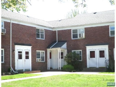 Hackensack Condo/Townhouse For Sale: 451 Heath Place #7