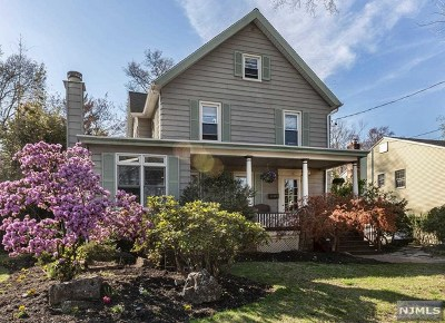 Westwood Single Family Home For Sale: 16 Oakland Avenue
