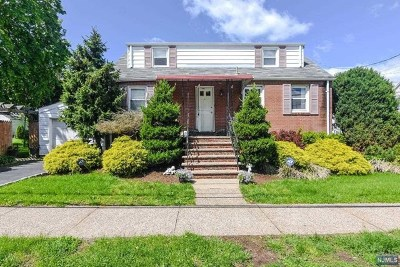 Clifton Single Family Home For Sale: 28 High Park Place