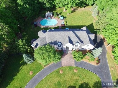 Mahwah Single Family Home For Sale: 5 Great Hall Road