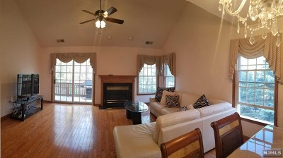 Old Tappan NJ Condo/Townhouse For Sale: $599,000