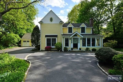 Ridgewood Single Family Home For Sale: 626 Wall Street