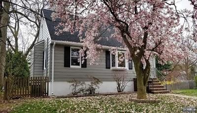Waldwick NJ Single Family Home For Sale: $469,000
