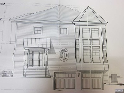 Leonia Single Family Home For Sale: 310 Summit Avenue