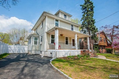 New Milford Single Family Home For Sale: 127 Grand Street