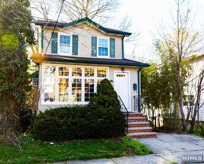 Cliffside Park Single Family Home For Sale: 683 Jefferson Avenue