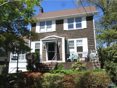 Teaneck Single Family Home For Sale: 525 Terhune Street