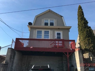 Essex County Single Family Home For Sale: 577 Centre Street