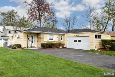Emerson NJ Single Family Home For Sale: $359,900
