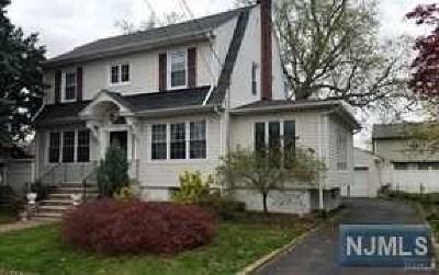 Fair Lawn Single Family Home For Sale: 1-23 Kenneth Avenue