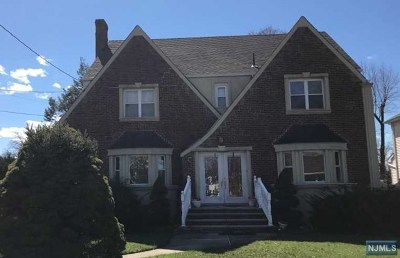 Elmwood Park Single Family Home For Sale: 84 Florence Place