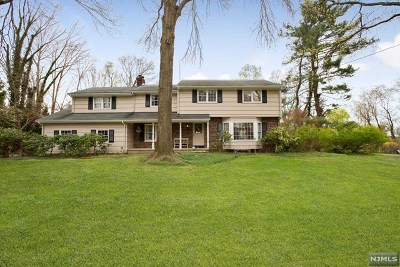 Upper Saddle River Single Family Home For Sale: 103 Hampshire Hill Road