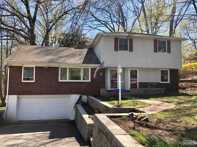 Paramus Single Family Home For Sale: 64 East Century Road