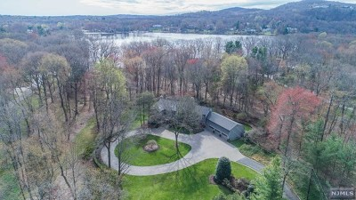 Franklin Lakes Single Family Home For Sale: 347 Algonquin Road