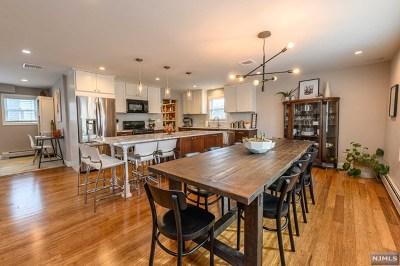 New Milford NJ Single Family Home For Sale: $569,900