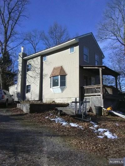 West Milford Single Family Home For Sale: 9 Poplar Grove Terrace