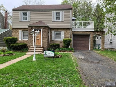 Teaneck Single Family Home For Sale: 97 Jasper Avenue