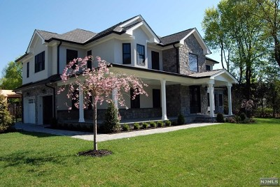 Woodcliff Lake Single Family Home For Sale: 290 Glen Road