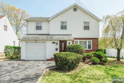 Teaneck Single Family Home For Sale: 781 Redmond Street