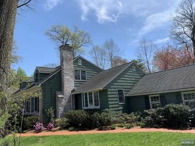 Ridgewood NJ Single Family Home For Sale: $948,000