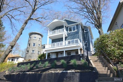 Morris County Single Family Home For Sale: 95 Bertrand Island Road