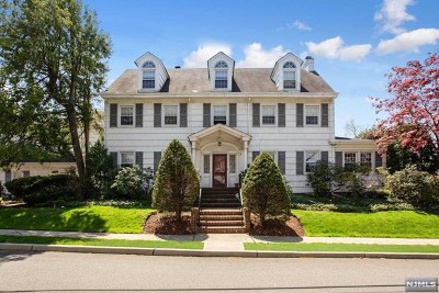Hackensack Single Family Home For Sale: 354 Summit Avenue