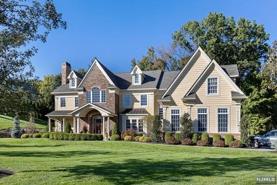 Franklin Lakes Single Family Home For Sale: 255 Glen Place