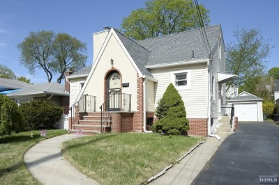 Fair Lawn Single Family Home For Sale: 16-21 Parmelee Avenue