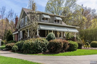 Wyckoff Single Family Home For Sale: 284 Wyckoff Avenue