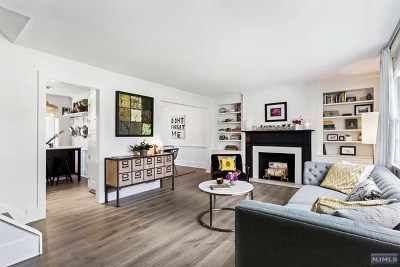 Morris County Single Family Home For Sale: 18 Deerfield Road