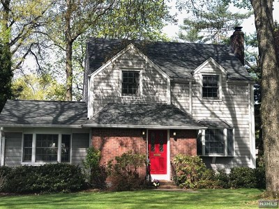 Tenafly Single Family Home For Sale: 1 Colonial Road