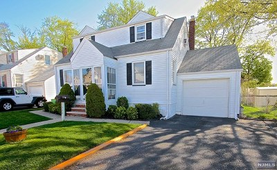 Fair Lawn Single Family Home For Sale: 10-09 Utica Terrace