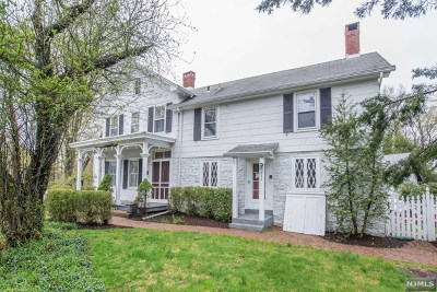 Wyckoff Single Family Home For Sale: 250 Crescent Avenue