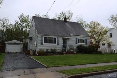 Teaneck Single Family Home For Sale: 290 Marine Court