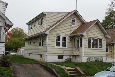 Hawthorne Single Family Home For Sale: 70 Alexandria Avenue