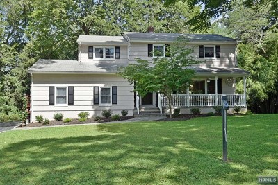 Ridgewood Single Family Home For Sale: 851 North Road