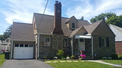 Fair Lawn Single Family Home For Sale: 27-15 Urban Place