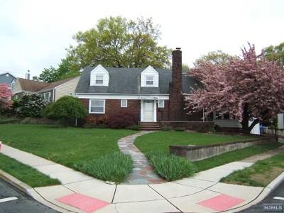 Lyndhurst Single Family Home For Sale: 436 Roosevelt Avenue