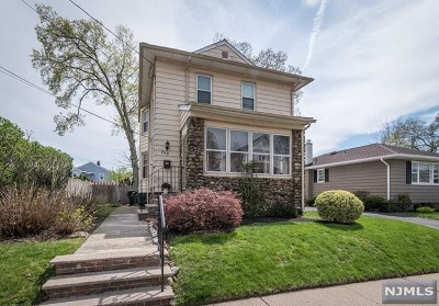 Hawthorne Single Family Home For Sale: 242 Central Avenue
